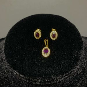 Authentic 18K YG Stud Earrings and Pendant Set